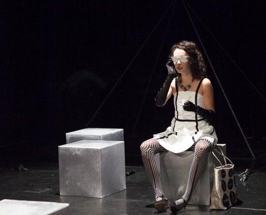 Antipoden, Theater, Schauspiel, Tyvekkleid, © Sigrid Wurzinger