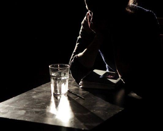 Maulwurf, Theater, Tanz, Performance, Wasserglas, © Sigrid Wurzinger