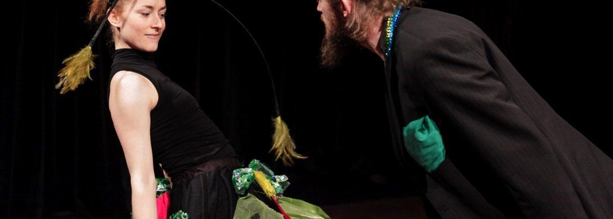 Schräge Vögel, Kindertheater, Tanz, Musik,Vogelrock, Reifrock, © Sigrid Wurzinger