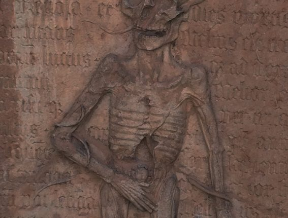Der Tod und das Mädchen, Friedhof St. Peter, Performance, Grabtafel, Skelett, © Sigrid Wurzinger