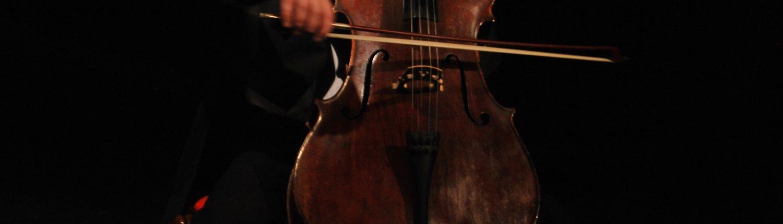 Mondnacht, Cello, Frack,© Sigrid Wurzinger